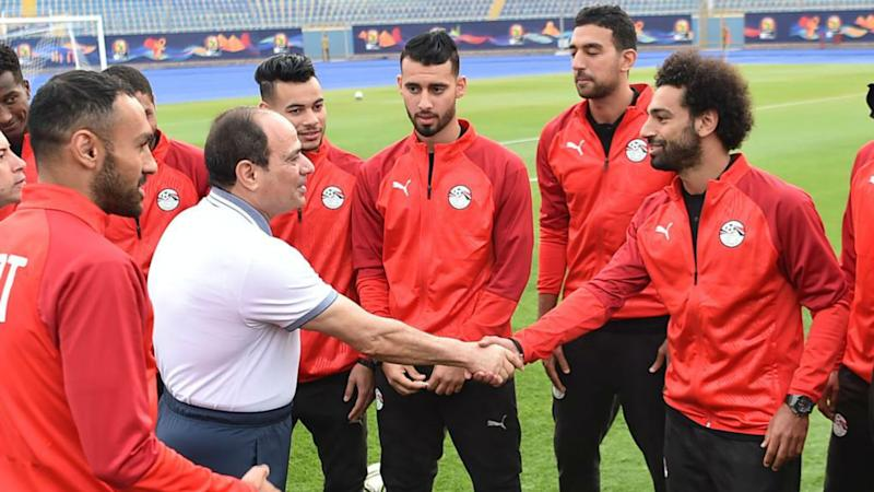President el-Sisi with Egypt squad