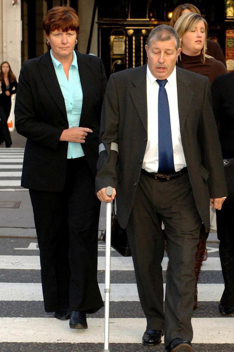 Sharon and Leslie Chapman arrive at the Royal Courts of Justice (Andrew Stuart/PA Archive)