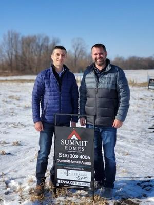 Summit Homes COO Zalman Kohen (left) and Des Moines Division Manager Jason Evans (right)
