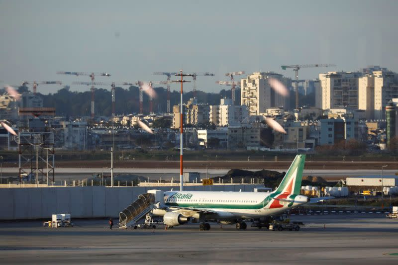 Alitalia asks to put more workers under layoff scheme-document