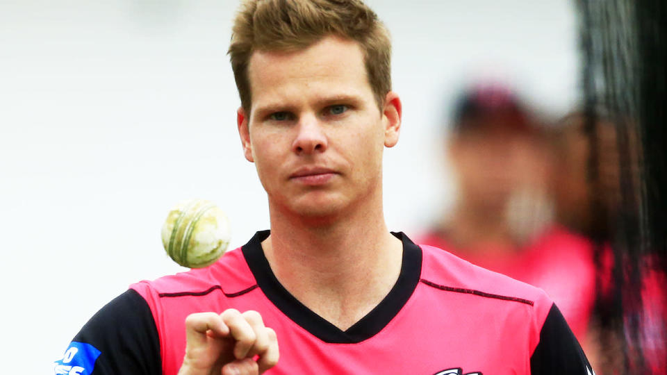 Steve Smith bowls during Sydney Sixers training. (Photo by Mark Evans/Getty Images)