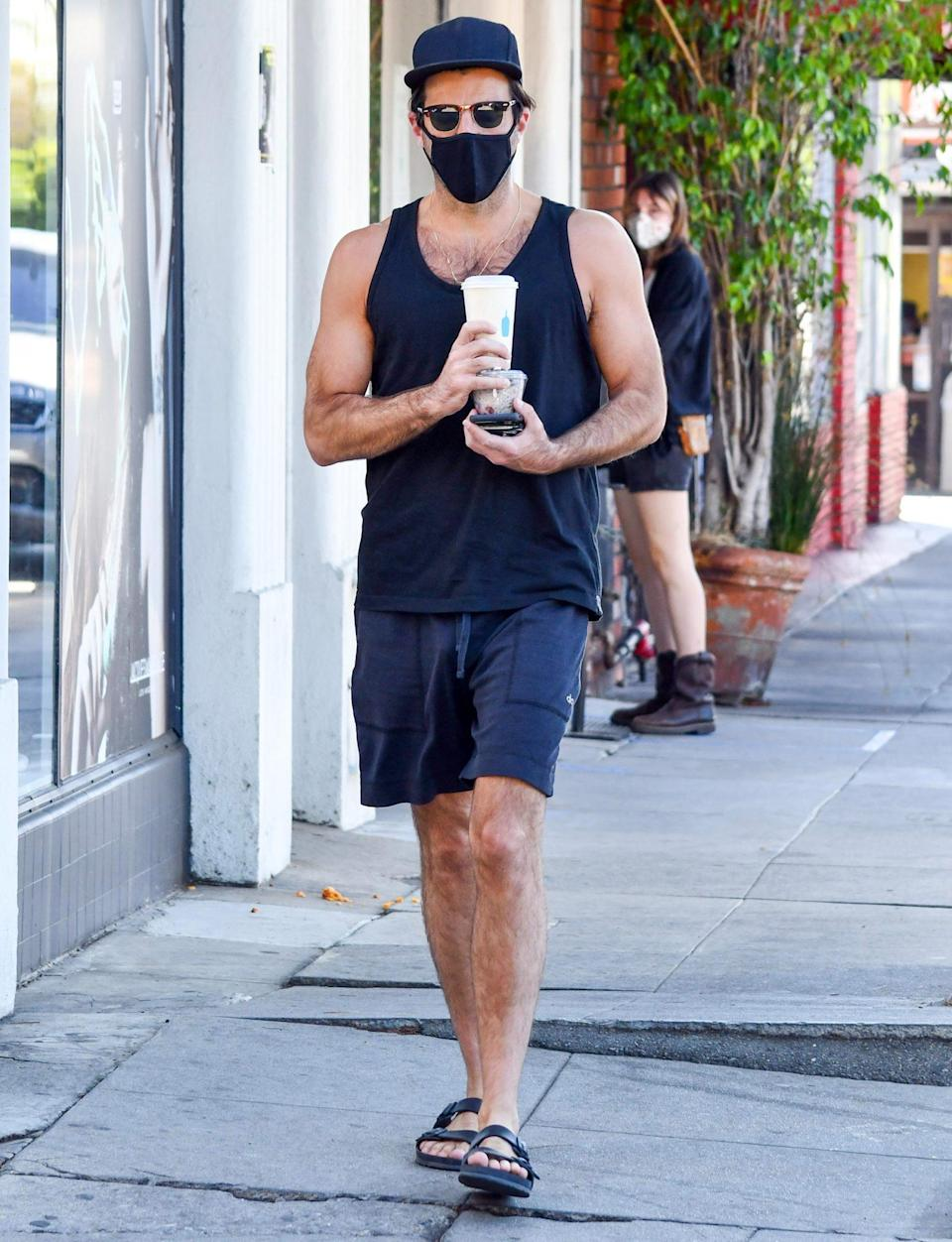 <p>Zachary Quinto grabs coffee and a snack on Monday in L.A. </p>