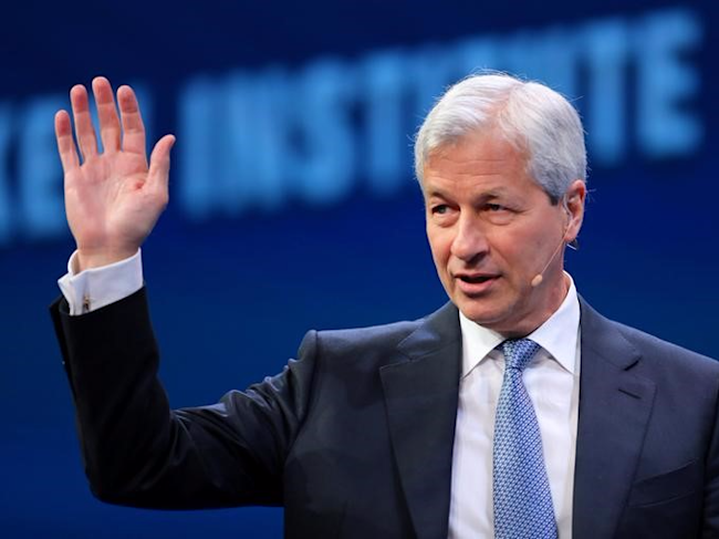 Jamie Dimon, Chairman and CEO of JPMorgan Chase & Co. speaks during the Milken Institute Global Conference in Beverly Hills, California, U.S., May 1, 2017. REUTERS/Mike Blake