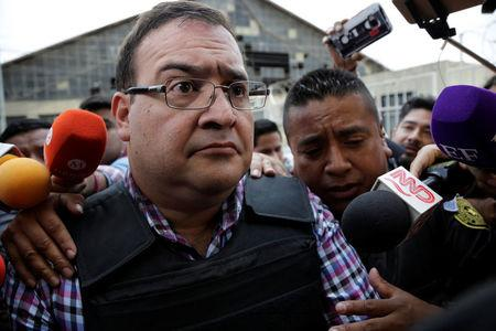 Former governor of Mexican state Veracruz Javier Duarte arrives to court in Guatemala City, Guatemala April 19, 2017. REUTERS/Luis Echeverria