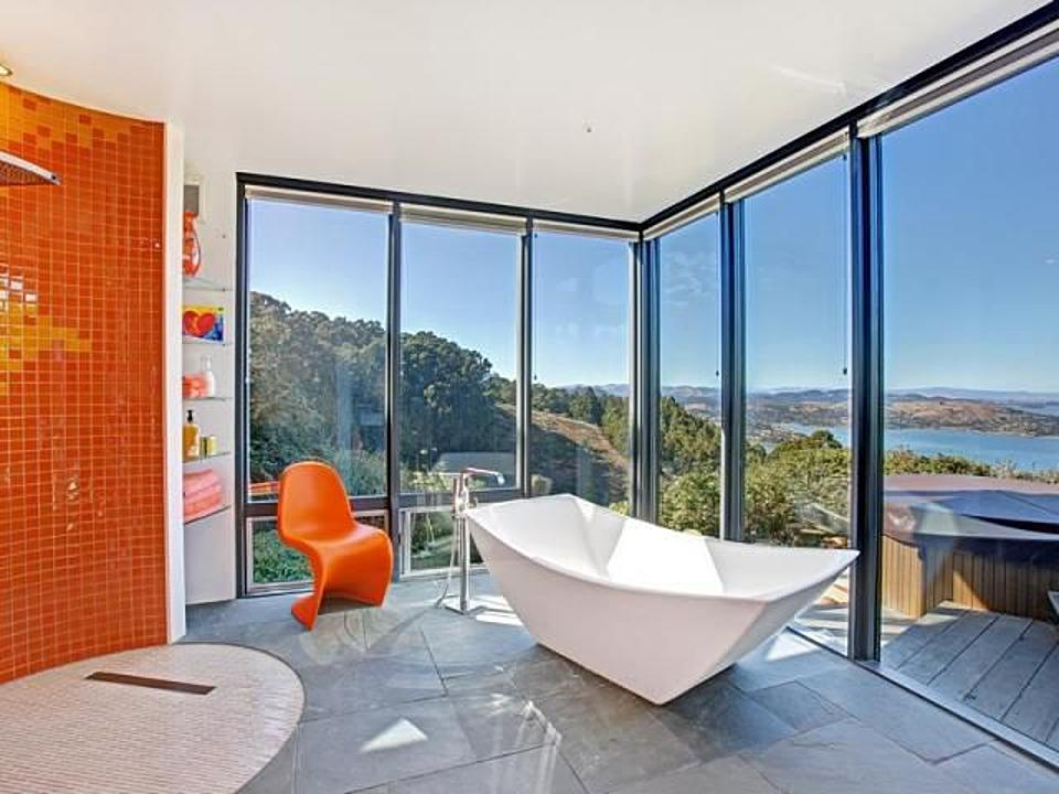 <strong>Quirky Geometric</strong> <br /> <p>Ultramodern lines give this contemporary bathtub a custom feel.</p>