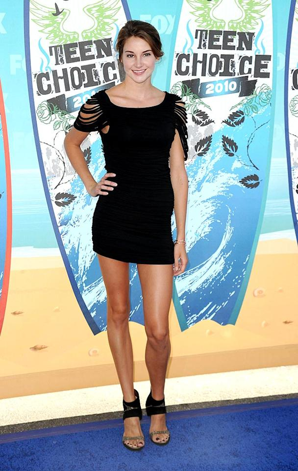 "<b>Shailene Woodley (Grade: B)</b>  Daren's cute co-star from the ABC Family show strutted her stuff (and played up her long legs!) in an LBD with rock 'n' roll detailing and glitzy gladiator sandals. Jason Merritt/<a href=""http://www.gettyimages.com/"" target=""new"">GettyImages.com</a> - August 8, 2010"