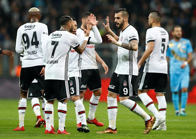 Soccer Football - Super Lig - Besiktas vs Osmanlispor - Vodafone Arena, Istanbul, Turkey - December 17, 2017 Besiktas' Alvaro Negredo and Ricardo Quaresma speak after their first goal REUTERS/Murad Sezer