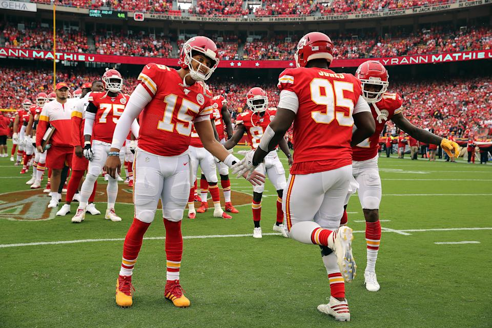 "Kansas City Chiefs quarterback Patrick Mahomes greets defensive end Chris Jones before a 2019 against the <a class=""link rapid-noclick-resp"" href=""/nfl/teams/baltimore/"" data-ylk=""slk:Baltimore Ravens"">Baltimore Ravens</a> at Arrowhead Stadium in Kansas City, Missouri. (Photo by Jamie Squire/Getty Images)"