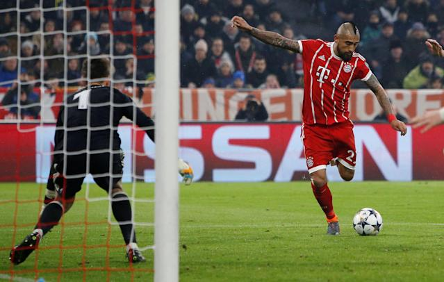 Soccer Football - Champions League Round of 16 First Leg - Bayern Munich vs Besiktas - Allianz Arena, Munich, Germany - February 20, 2018 Bayern Munich's Arturo Vidal shoots at goal REUTERS/Michaela Rehle