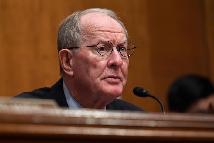 Sen. Lamar Alexander (R-Tenn.) is thought to be one Republican who may be willing to vote in favor of subpoenaing witnesses in the impeachment trial of President Donald Trump. (Photo: ASSOCIATED PRESS)