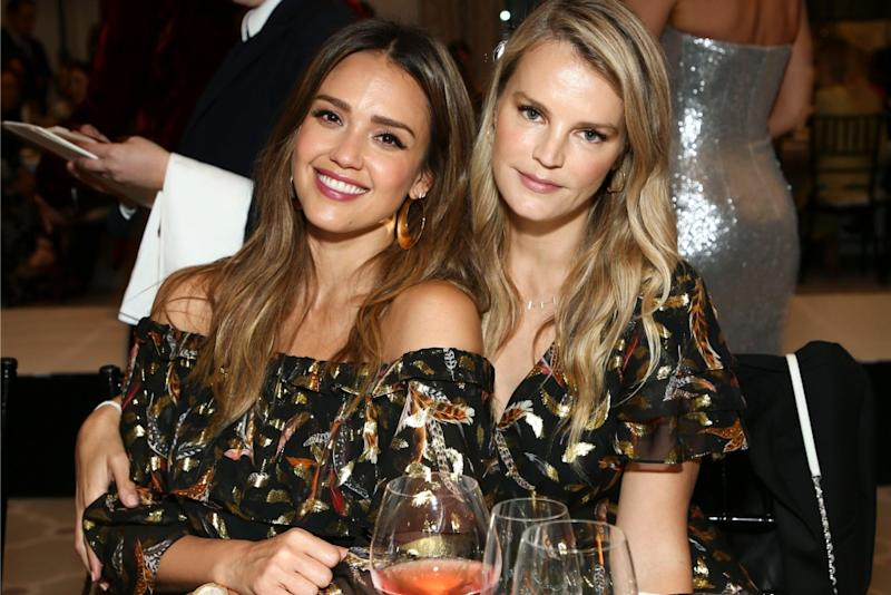 Jessica Alba Has A Twinning Moment With Her Best Friend At Rachel