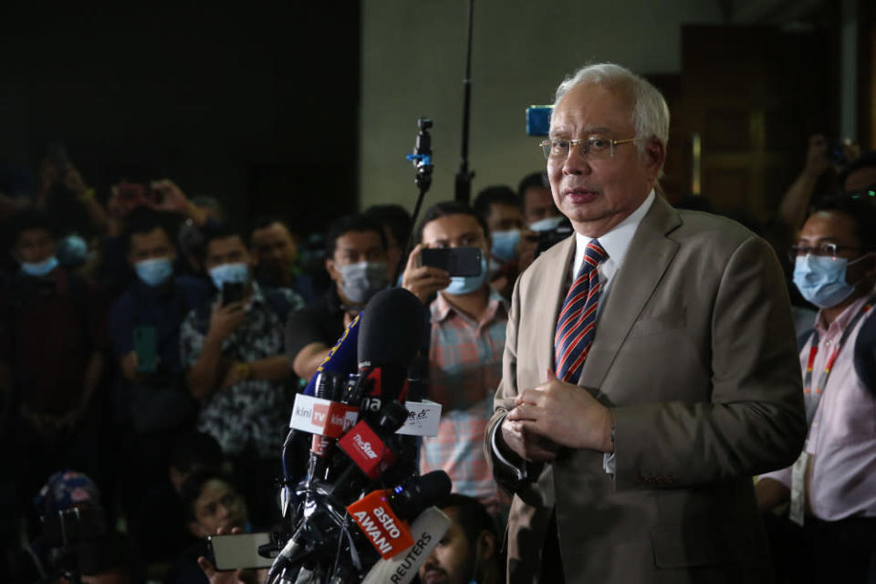 On Monday, Datuk Seri Najib Razak said he had proposed to Umno's Supreme Council members that they work with the PKR president in the event the party withdraws from the Perikatan Nasional coalition. — Picture by Yusof Mat Isa