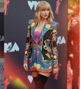Taylor, you need to calm down, Scooter Braun is 'frustrated' with this feud