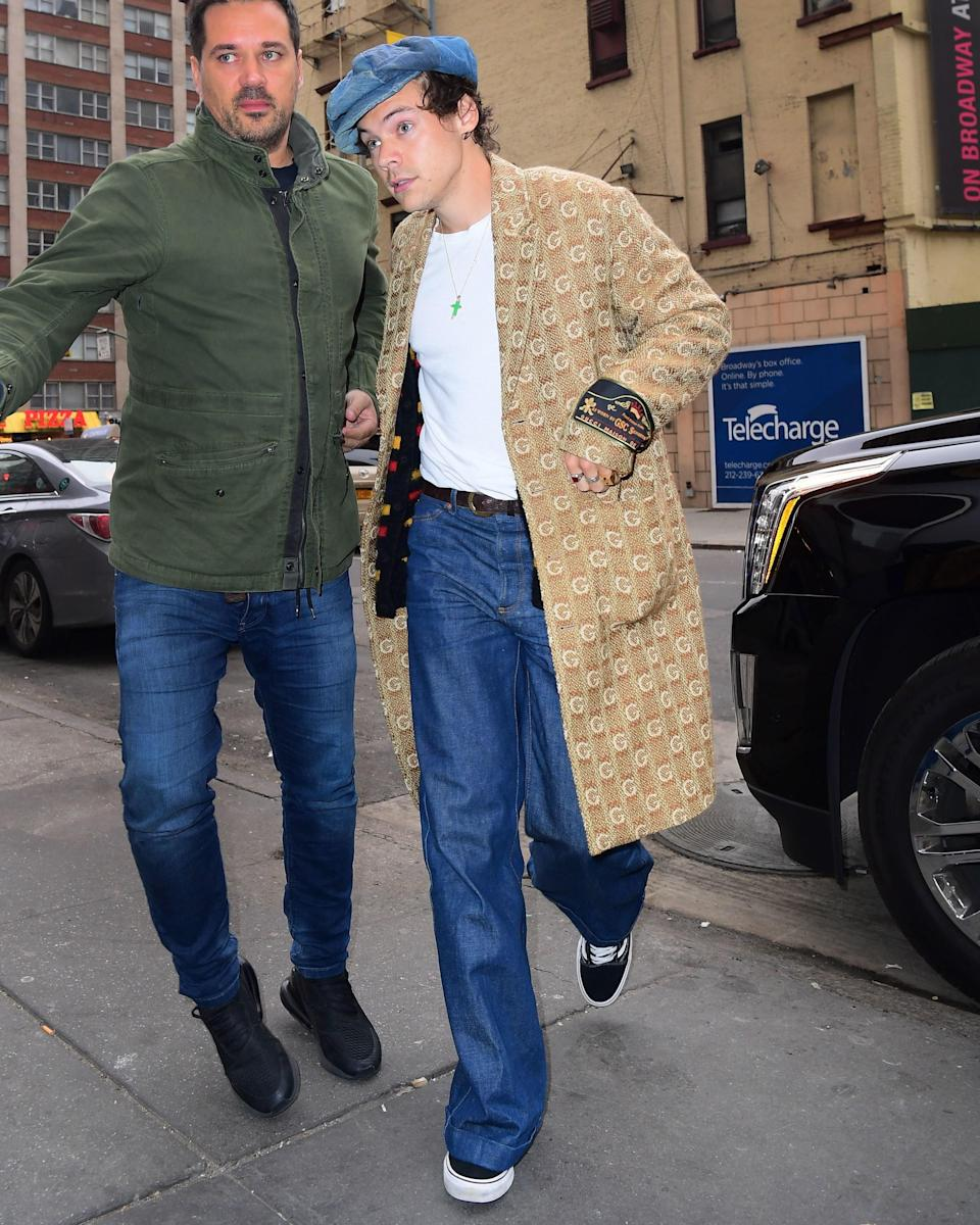 """<h1 class=""""title"""">November 12: Harry Styles</h1> <div class=""""caption""""> Harry Styles's #BigFitoftheDay puts the """"style"""" in """"Harry Styles."""" </div> <cite class=""""credit"""">Splash News</cite>"""