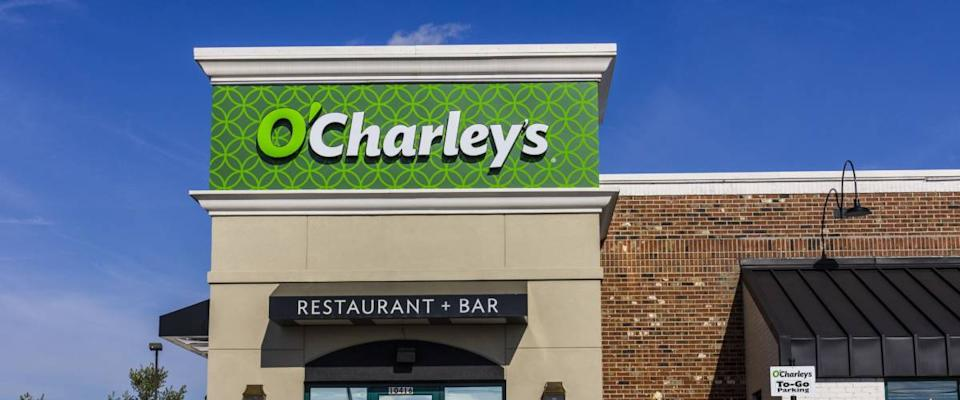 Indianapolis - Circa November 2016: O'Charley's Casual Dining Restaurant. O'Charley's is part of American Blue Ribbon Holdings II