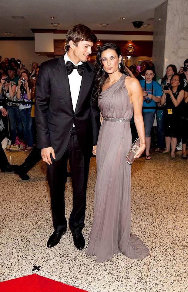 """Ashton Kutcher and Demi Moore stepped out in style for the 2009 White House Correspondent's Association Dinner in Washington DC on Saturday night. The lighthearted annual event -- where attendees toast and roast the President -- brought out Hollywood's biggest stars. Paul Morigi/<a href=""""http://www.wireimage.com"""" target=""""new"""">WireImage.com</a> - May 9, 2009"""