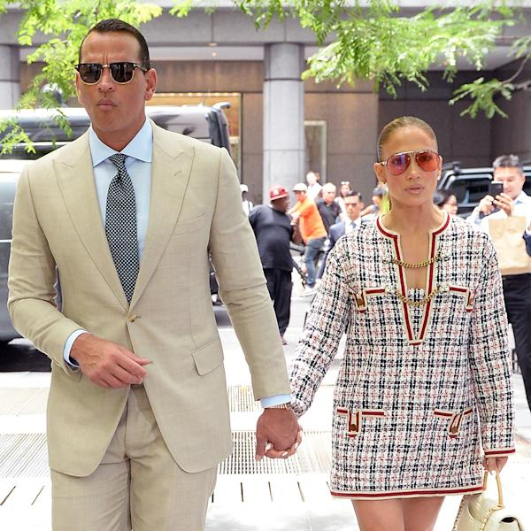 The singer, Jennifer Lopez, and baseball star, Alex Rodriguez, cut elegant figures while out to lunch.
