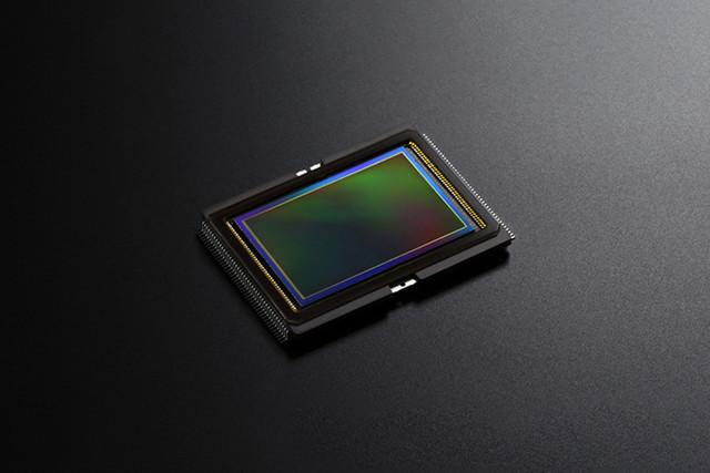 hitachi lensless camera post focus technology sony image sensor