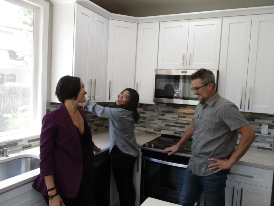 """Lori, Geli and Brian — who are a throuple — are featured on the latest episode of HGTV's """"House Hunters."""" (Photo: HGTV)"""