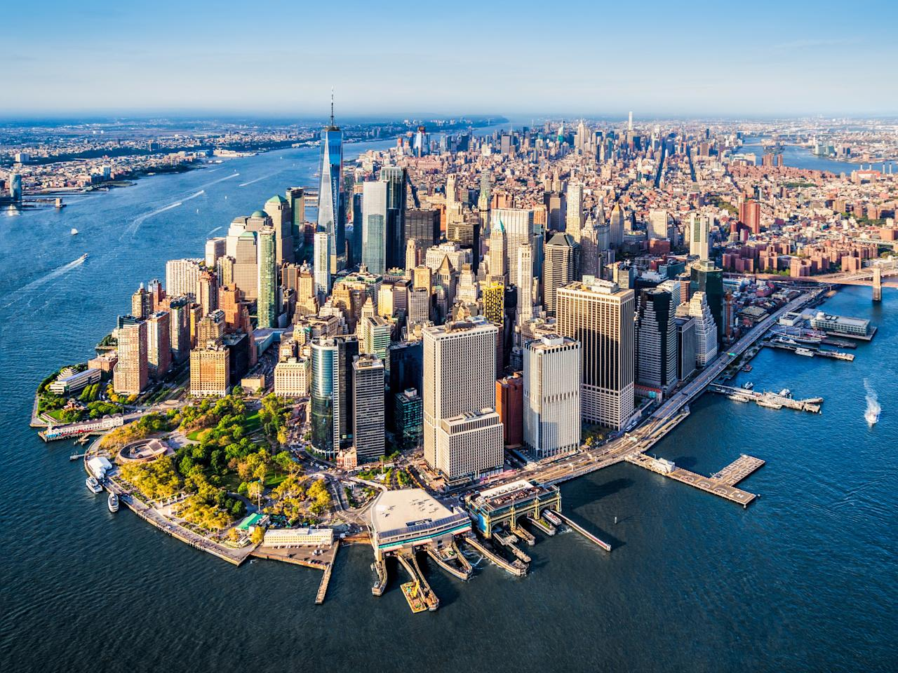 """<a rel=""""nofollow"""" href=""""https://www.architecturaldigest.com/gallery/10-nyc-rooftop-bars-to-explore-this-summer/all?mbid=synd_yahoo_rss"""">There may be plenty of rooftop bars across Manhattan</a> and the surrounding boroughs, but heading up there doesn't compare to a flight around town. Imagine propelling around the Empire State Building or doing a nighttime joyride above Times Square."""