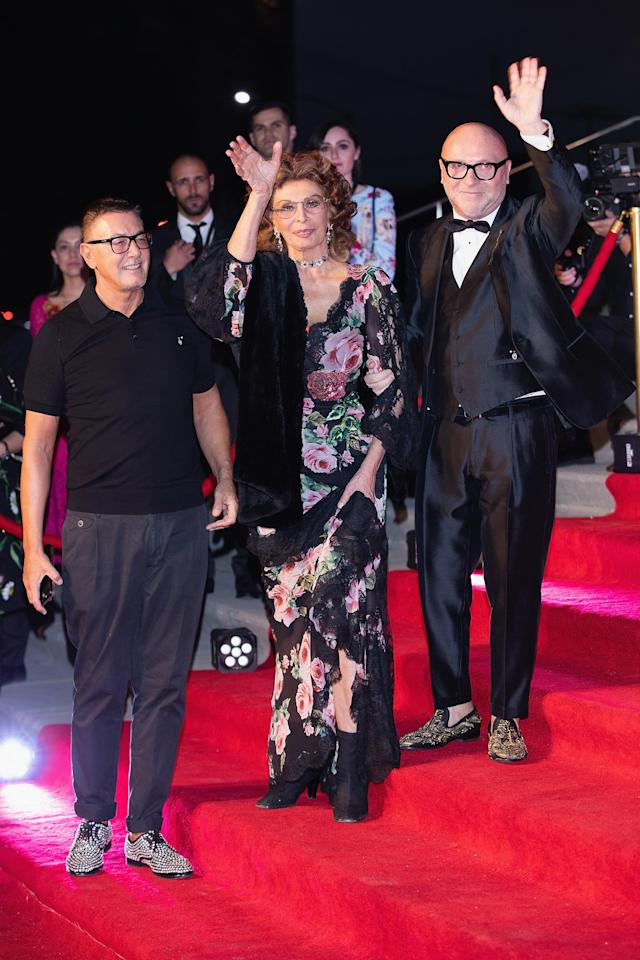 Sophia Loren, flanked by Domenico Dolce and Stefano Gabbana. (Photo: Getty)