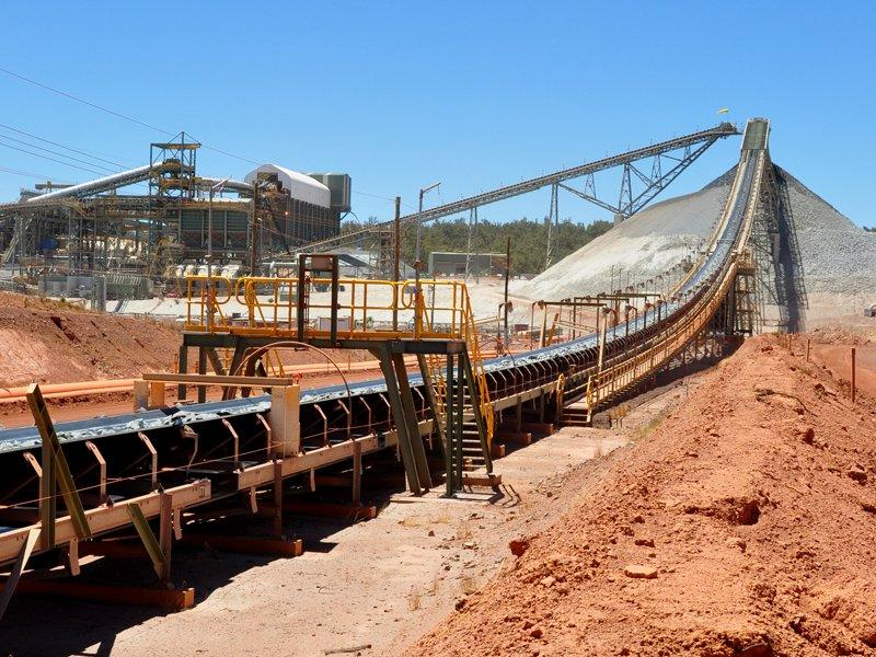 Fortescue to keep lid on costs amid sales