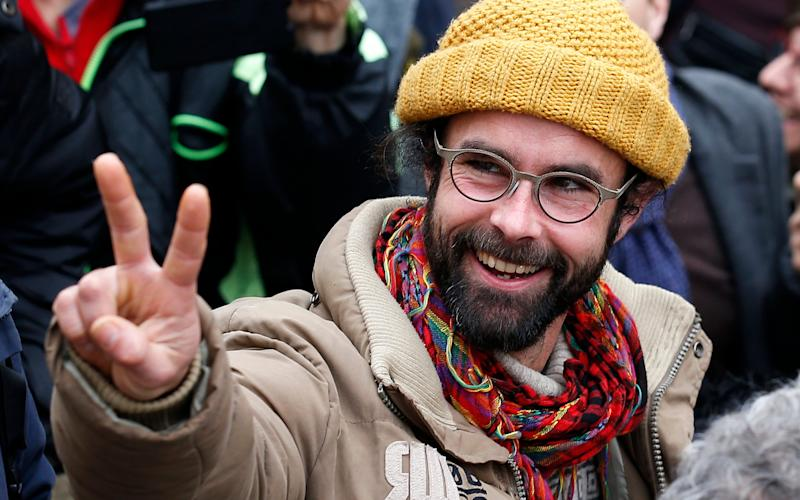 French farmer Cedric Herrou fined for helping migrants