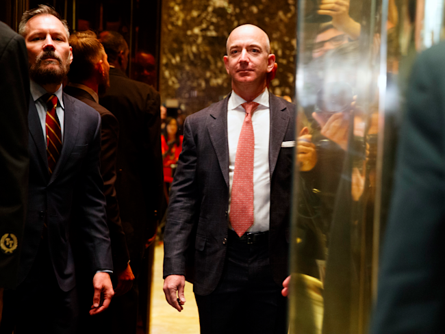 Here S How Amazon Ceo Jeff Bezos Introduced Himself To Trump After