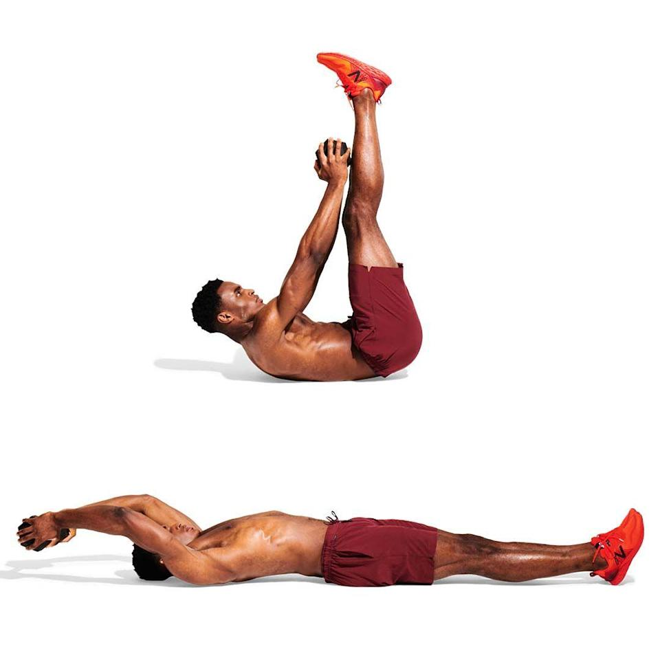 <p>With one weight in both hands, lie with your arms above your head. Lift your legs as high as you can, keeping them straight and your feet together. Hold. Crunching your abs, lift your arms to your feet. Lower slowly; go again.<br></p>