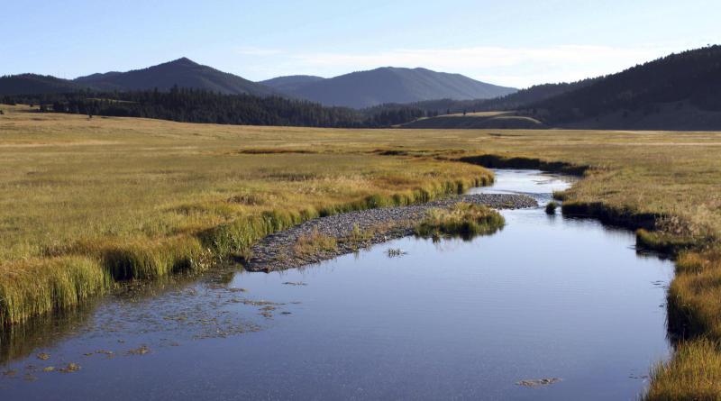the valles caldera essay Known an example is the valles caldera in the jemez mountains, near to santa fe and los alamos, new mexico, usa the caldera is the circular.