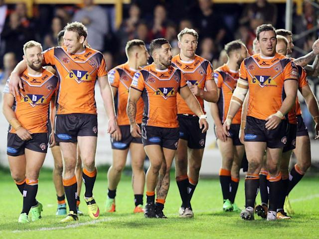 Castleford's players acknowledge their fans after the final whistle (Getty)
