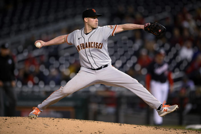 San Francisco Giants starting pitcher Anthony DeSclafani delivers a pitch during the eighth inning of the team's baseball game against the Washington Nationals, Friday, June 11, 2021, in Washington. The Giants won 1-0. (AP Photo/Nick Wass)