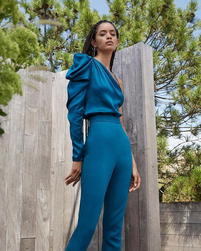 """<p>Who: Carly Cushnie</p><p>What: A 'luxury women's ready-to-wear and bridal brand designed by Carly Cushnie'.</p><p><a class=""""link rapid-noclick-resp"""" href=""""https://go.redirectingat.com?id=127X1599956&url=https%3A%2F%2Fwww.net-a-porter.com%2Fen-gb%2Fshop%2Fdesigner%2Fcushnie&sref=https%3A%2F%2Fwww.elle.com%2Fuk%2Ffashion%2Fg32727342%2Fblack-owned-fashion-brands%2F"""" rel=""""nofollow noopener"""" target=""""_blank"""" data-ylk=""""slk:SHOP CUSHNIE NOW"""">SHOP CUSHNIE NOW</a></p><p><a href=""""https://www.instagram.com/p/CAyGdAcJirR/"""" rel=""""nofollow noopener"""" target=""""_blank"""" data-ylk=""""slk:See the original post on Instagram"""" class=""""link rapid-noclick-resp"""">See the original post on Instagram</a></p>"""