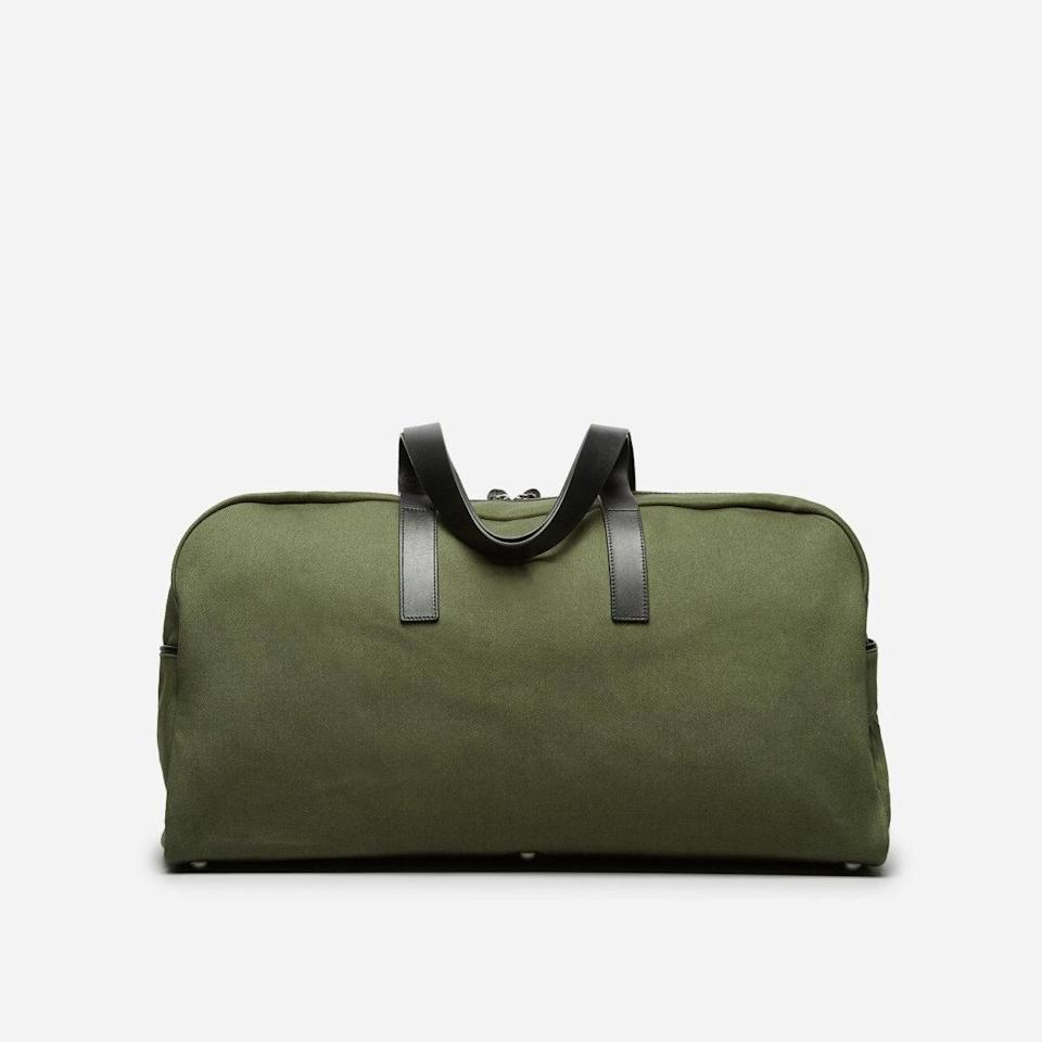 """<h2>Everlane The Twill Weekender</h2><br><strong>The Type: </strong>Medium weekender<br><br><strong>The Hype:</strong> 4.6 out of 5 stars and 247 reviews at Everlane<br><br><strong>What Travelers Say: </strong>""""Perfect weekend bag. Purchased this bag recently and it exceeded my expectations. Build quality is apparent in every stitch and it looks like it will hold up well for years to come. It is spacious inside and has a pocket for the little items. Separate shoe storage would be nice, but it has enough space where if you needed two pairs of shoes plus all your clothes for the weekend it would fit."""" – <em>Nsundar, Everlane Reviewer</em><br><br><em>Shop</em> <strong><em><a href=""""http://everlane.com"""" rel=""""nofollow noopener"""" target=""""_blank"""" data-ylk=""""slk:Everlane"""" class=""""link rapid-noclick-resp"""">Everlane</a></em></strong><br><br><br><strong>Everlane</strong> The Weekender, $, available at <a href=""""https://go.skimresources.com/?id=30283X879131&url=https%3A%2F%2Fwww.everlane.com%2Fproducts%2Fmens-weekender-black-black-leather"""" rel=""""nofollow noopener"""" target=""""_blank"""" data-ylk=""""slk:Everlane"""" class=""""link rapid-noclick-resp"""">Everlane</a>"""