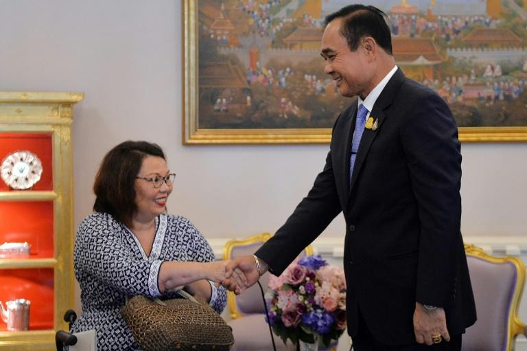 US Senator Tammy Duckworth met Thailand's Prime Minister Prayut Chan-O-Cha on a visit to her birthplace (AFP Photo/Handout)