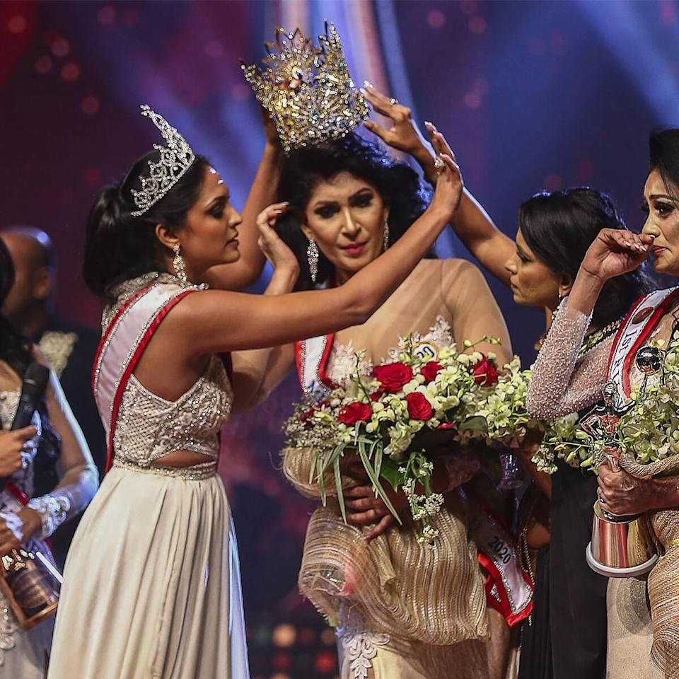 Pushpika De Silva, Caroline Jurie, Mrs. Sri Lanka, Pageant, Crown