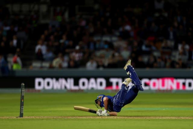 Roelof van der Merwe with a desperate dive for London Spirit, who lost to Southern Brave