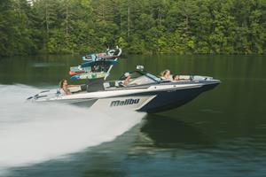Famous for its perfect wakes and waves, sharp styling mixed with cutting-edge technology, and the most spacious bow in the Malibu line, the 24 MXZ is bold and maximized.