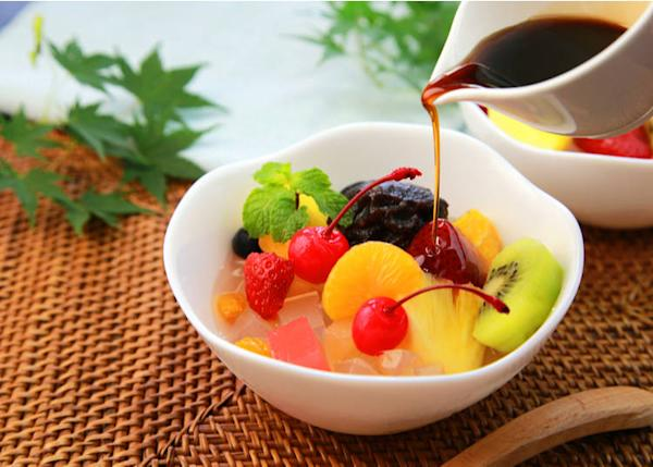 Anmitsu is a dessert with fruit, gelatin and red bean paste.