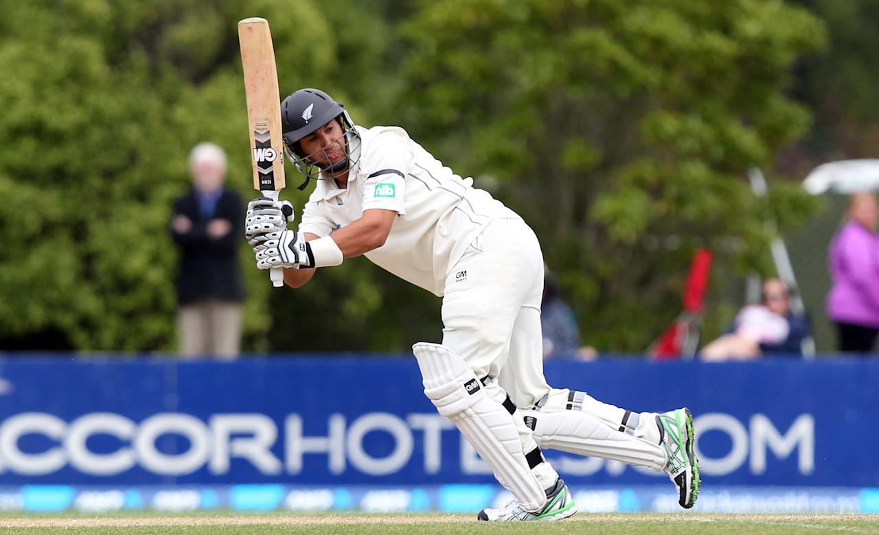 DUNEDIN, NEW ZEALAND - DECEMBER 07:  Ross Taylor of New Zealand bats during day five of the first test match between New Zealand and the West Indies at University Oval on December 7, 2013 in Dunedin, New Zealand.  (Photo by Rob Jefferies/Getty Images)