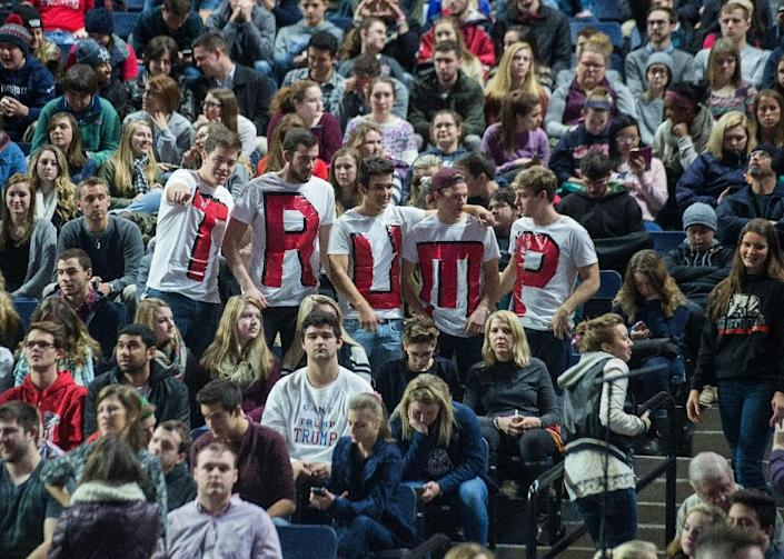 Supporters of US Republican presidential candidate Donald Trump attend a rally at Liberty University in Lynchburg, Virginia, January 18, 2016 (AFP Photo/Nicholas Kamm)