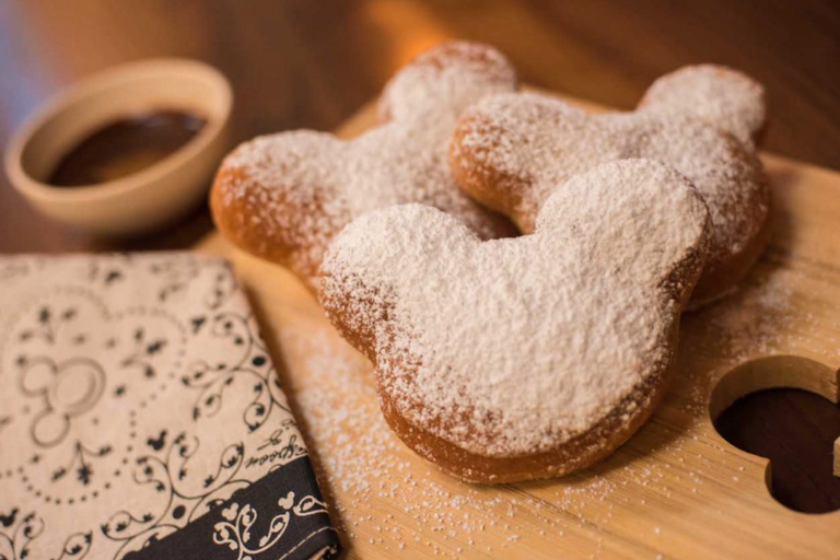 <p>How are adorable are these Mickey Beignets?</p>