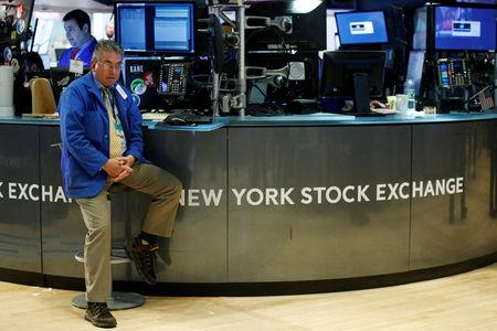 United States  stocks end weak quarter on upbeat note