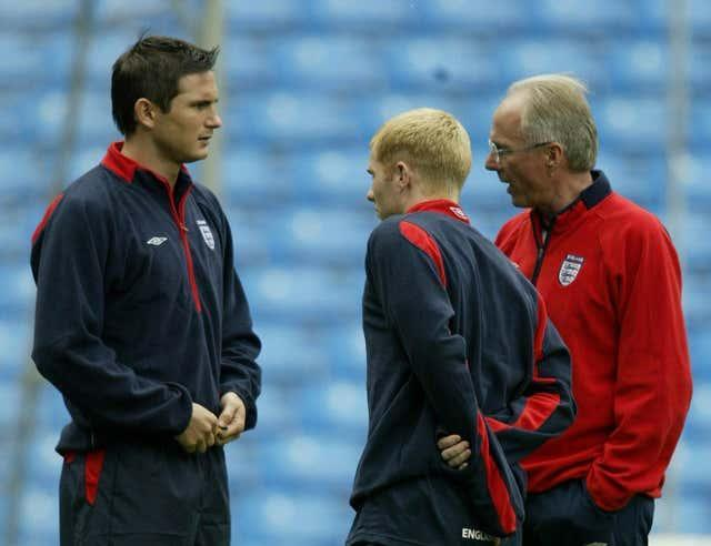 Scholes was a key part of the side under Eriksson (right) but fitting him into the same team as the likes of Lampard (left) proved problematic