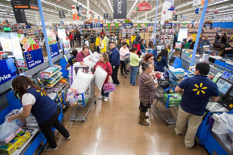 There's a Big Reason Walmart Just Raised Its Minimum Wage to $11. It Has Nothing to Do With Tax Cuts