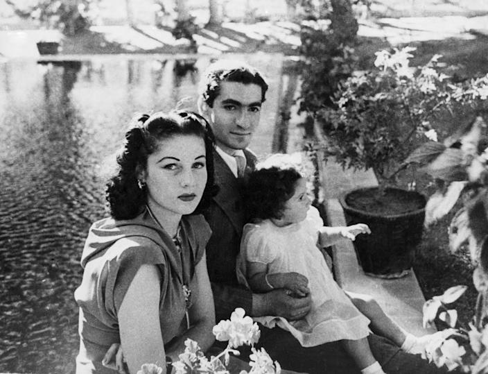 life in iran before the revolution, Shah Mohammed Reza Pahlevi, Queen Fawzia, 1942