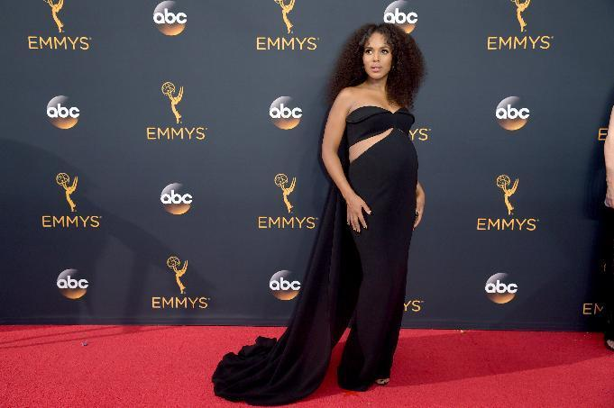 Kerry Washington arrives at the 68th Primetime Emmy Awards on Sunday, Sept. 18, 2016, at the Microsoft Theater in Los Angeles. (Photo by Richard Shotwell/Invision/AP)