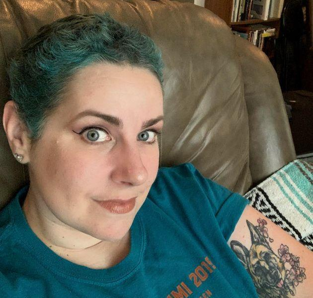 The author dyed her hair teal as it grew out after chemotherapy. (Photo: Courtesy of Kari Neumeyer)