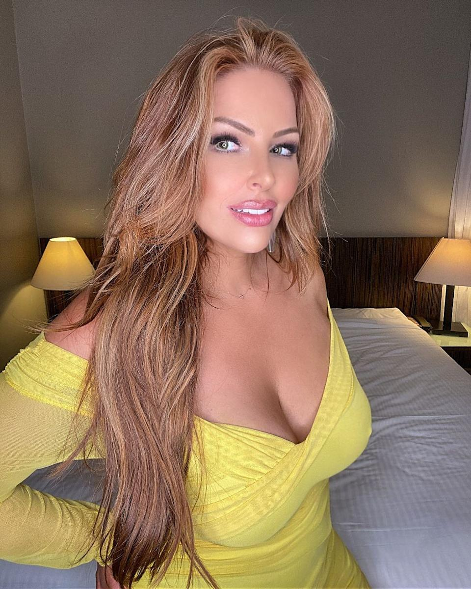 Sarah Roza in a yellow dress