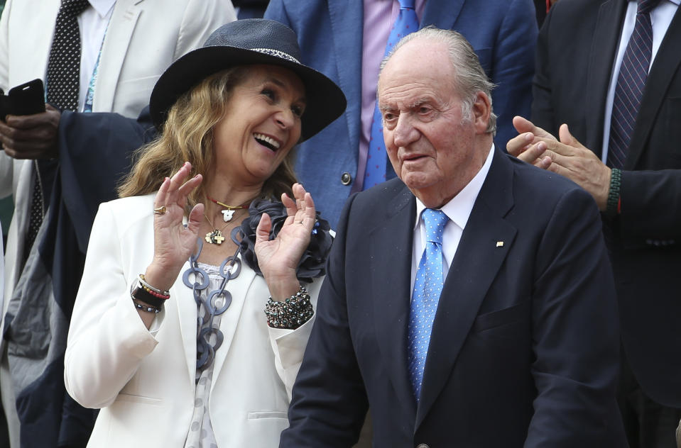 PARIS, FRANCE - JUNE 09: Infanta Elena, Duchess of Lugo and her father Juan Carlos I of Spain celebrate the victory of countryman Rafael Nadal during the trophy ceremony of the men's final during day 15 of the 2019 French Open at Roland Garros stadium on June 9, 2019 in Paris, France. (Photo by Jean Catuffe/Getty Images)